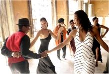 Ballo latino di gruppo a tre