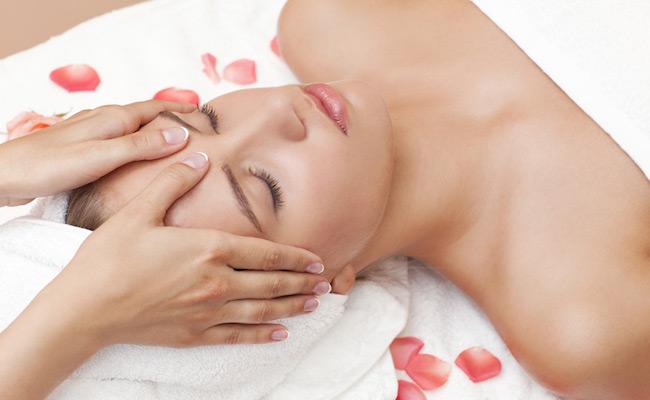 Massaggio facciale DienChan